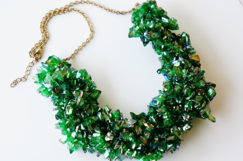 green chip bead necklace oyindoubara