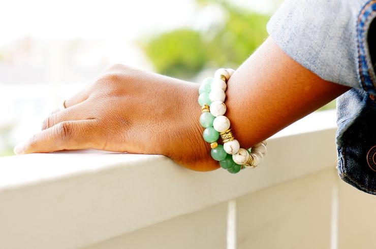 oyindoubara-white-magnesite-bracelet_and_green-aventurine-bracelet